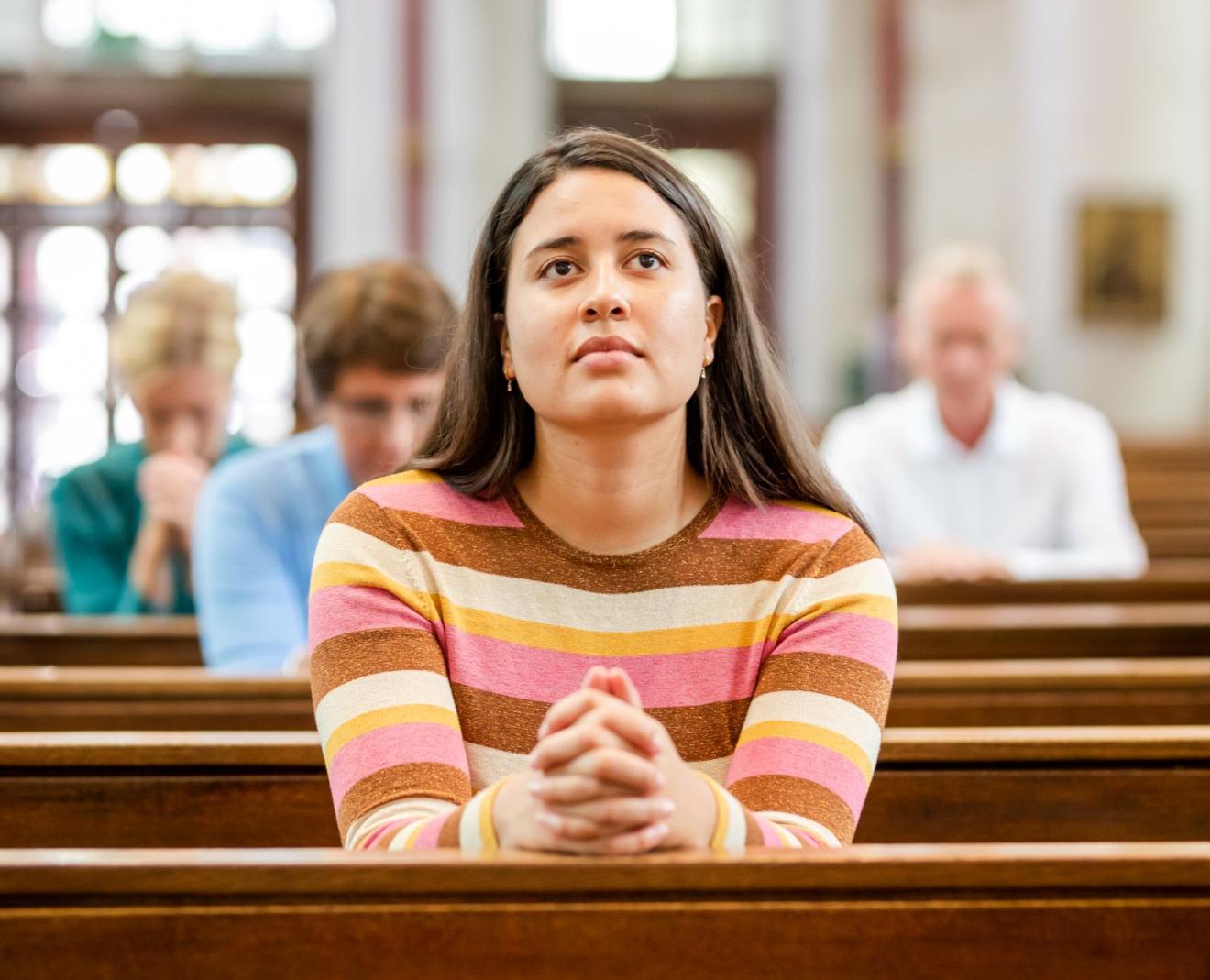 Onderzoek Kerkbalans: kerkgangers missen in coronatijd vooral samen zingen